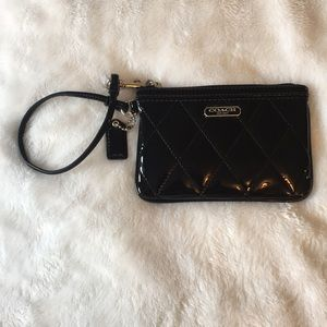 Coach poppy black quilted patent leather wristlet
